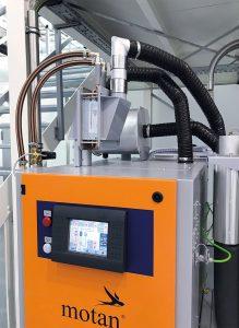 Con un enfriador de retorno de aire de proceso, el aire se puede enfriar a una temperatura por debajo del nivel crítico antes de que fluya hacia el cartucho desecante (Imágenes: Motan-Colortronic)